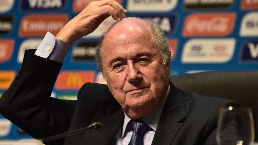 FIFA-president Sepp Blatter måtte tåle mye kritikk under et møte med UEFA-delegater tirsdag.