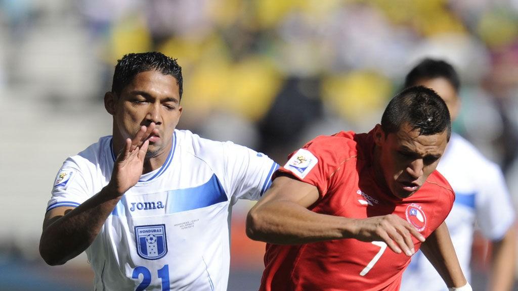 Barcelona-spilleren Alexis Sanchez (til høyre) er Chiles største stjerne sammen med Juventus' Arturo Vidal.