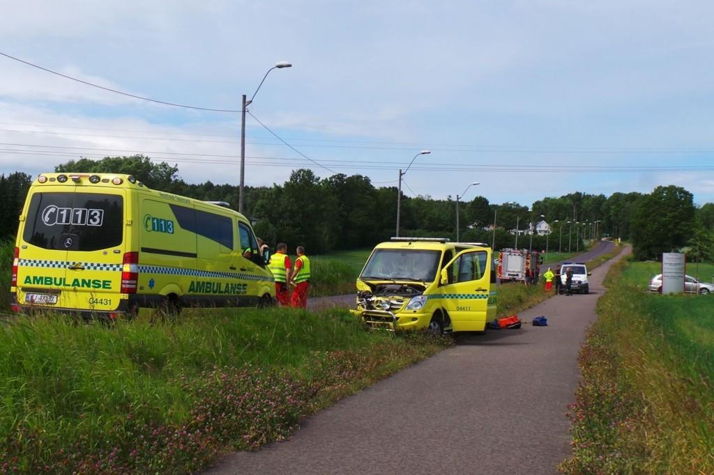 OVER FARTSGRENSEN: Politiet bekrefter at ambulansen kjørte over fartsgrensen, som er 50 km/t på stedet.
