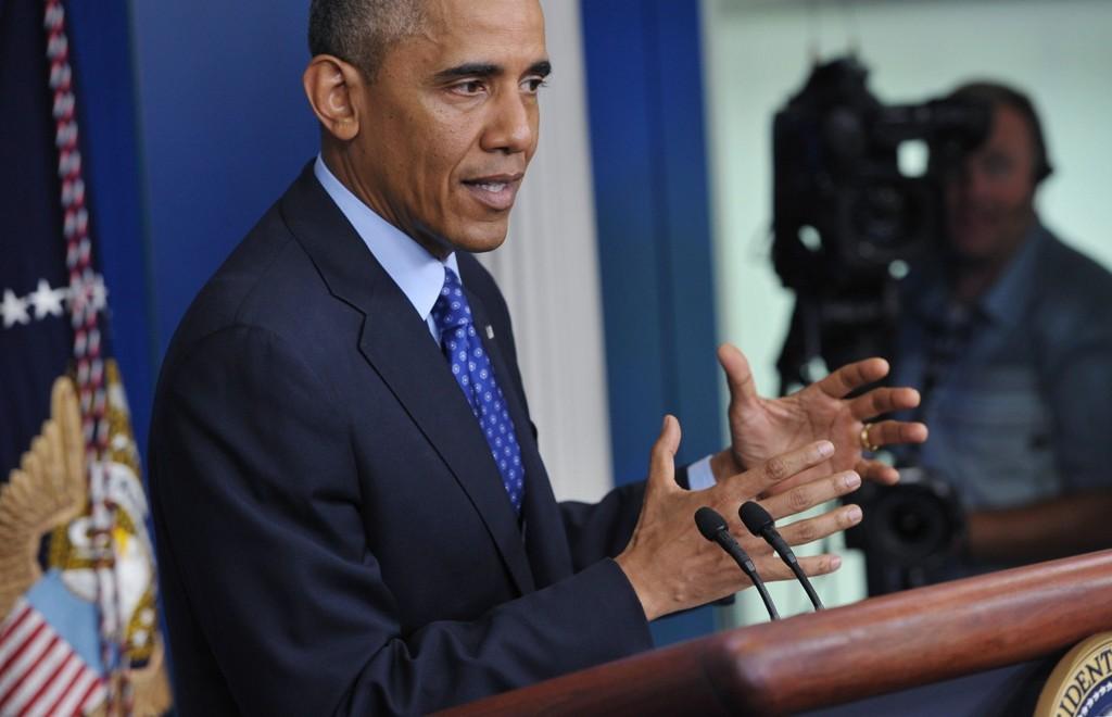 SNAKKER OM IRAK: President Barack Obama holdt torsdag en pressekonferanse om situasjonen i Irak. Obama fortalte da at USA sender opp til 300 militære rådgivere, og at det kan bli aktuelt å gjennomføre målrettede militære aksjoner mot den militære gruppa ISIL som de siste dagene har tatt kontroll over irakiske områder.