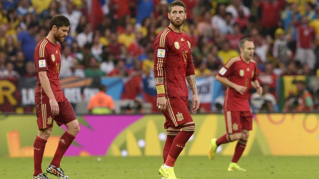 SJOKKEXIT: Spania er ute av VM med null poeng og 1-7 i målforskjell etter de første to kampene.