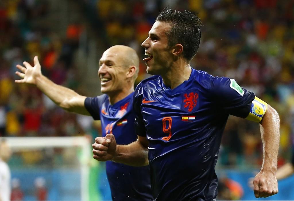 Arjen Robben og Robin van Persie jubler etter en scoring mot Spania.