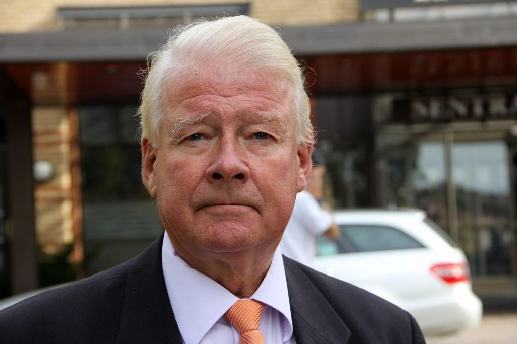 Carl I. Hagen tar femteplassen med knusende ro, og er trygg på at han vil fortsette i bystyret etter valget neste år.