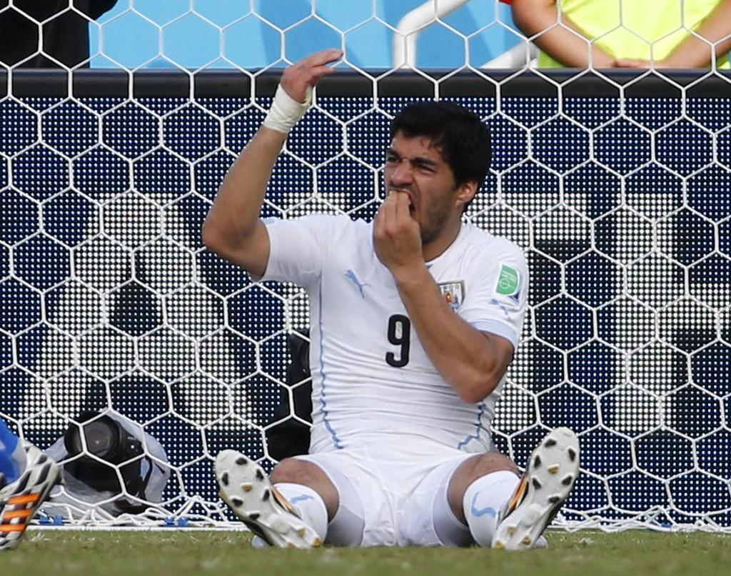 FIFA bekrefter at de har åpnet disiplinærsak mot Luis Suarez.