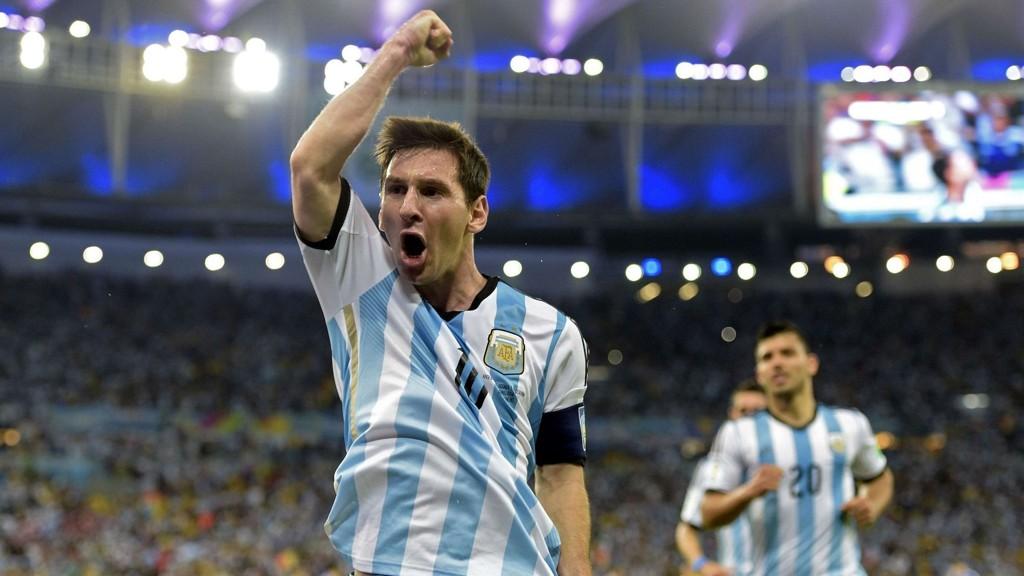 Lionel Messi og resten av de argentinske spillerne spiller nærmest på hjemmebane i Porto Alegre i kveld.