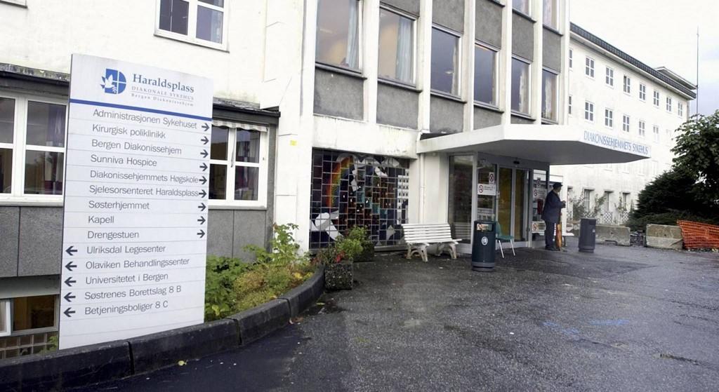 De grove truslene mot fem helsearbeidere skjedde inne på akuttmottaket ved Haraldsplass sykehus i Bergen.
