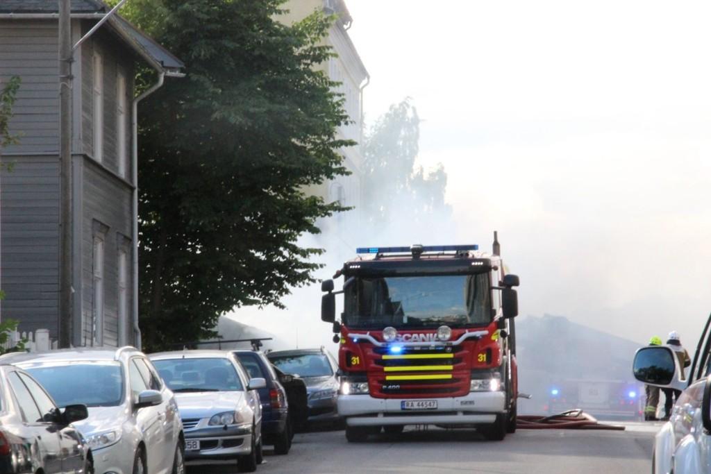 BARNEHAGE I FLAMMER: Rosenhoff barnehage er totalskadd. Politiet fant raskt ut hva som var årsaken til brannen.