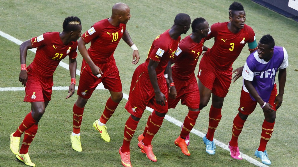 Det er vanskelig å ikke trekke på smilebåndet når Ghana byr opp til dans.