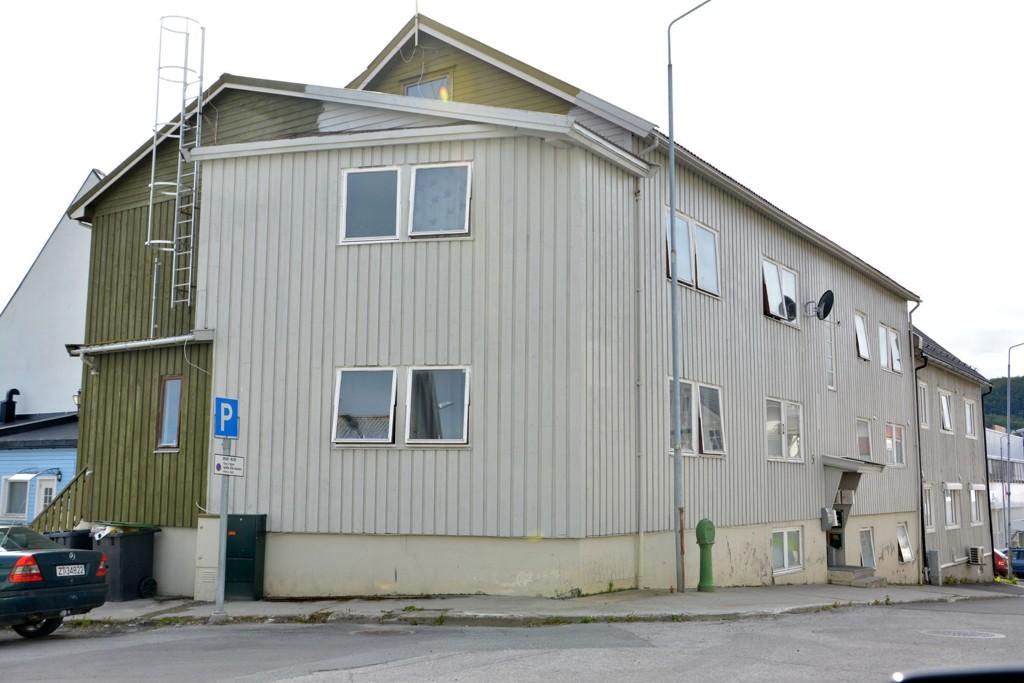 RIVES?: Kommunen ber Sigve Bertheussen betale 1000 kroner per kvadratmeter for denne festetomta, eller rive innen 1. juli 2016.