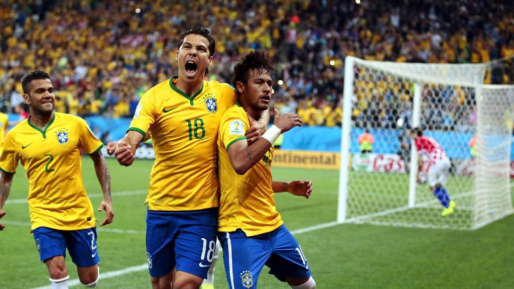 Det er VM-kamper og oppgjør fra Oddsen-ligaen i skjønn forening på lørdagens Tippekupong.