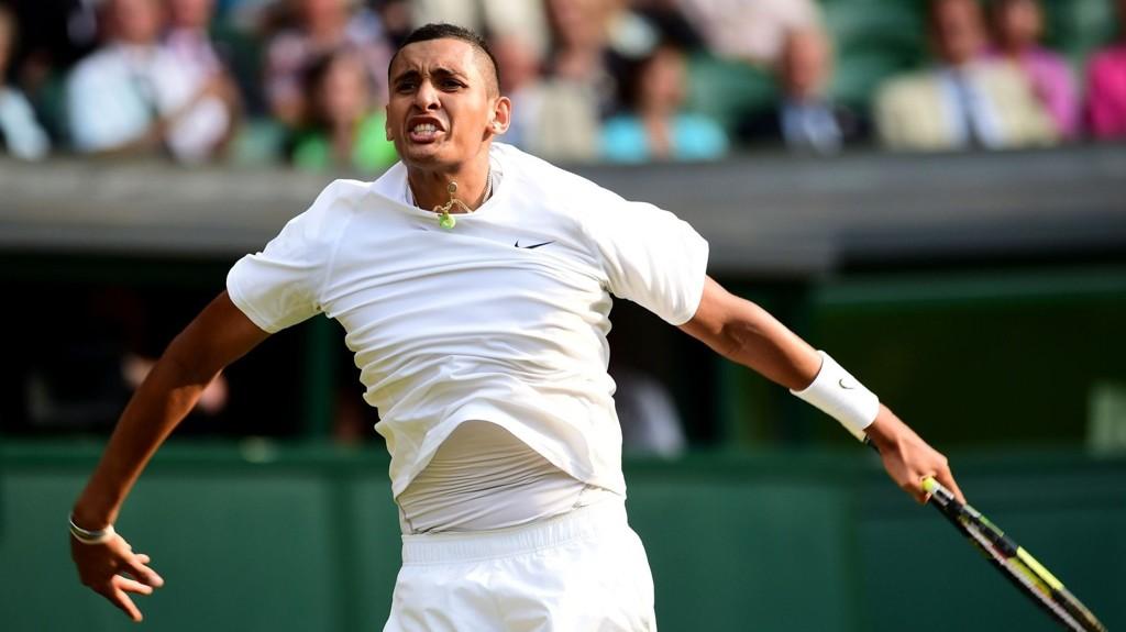 TENNIS-SENSASJON: Nick Kyrgios jubler etter å ha slått selveste Rafael Nadal ut av Wimbledon.