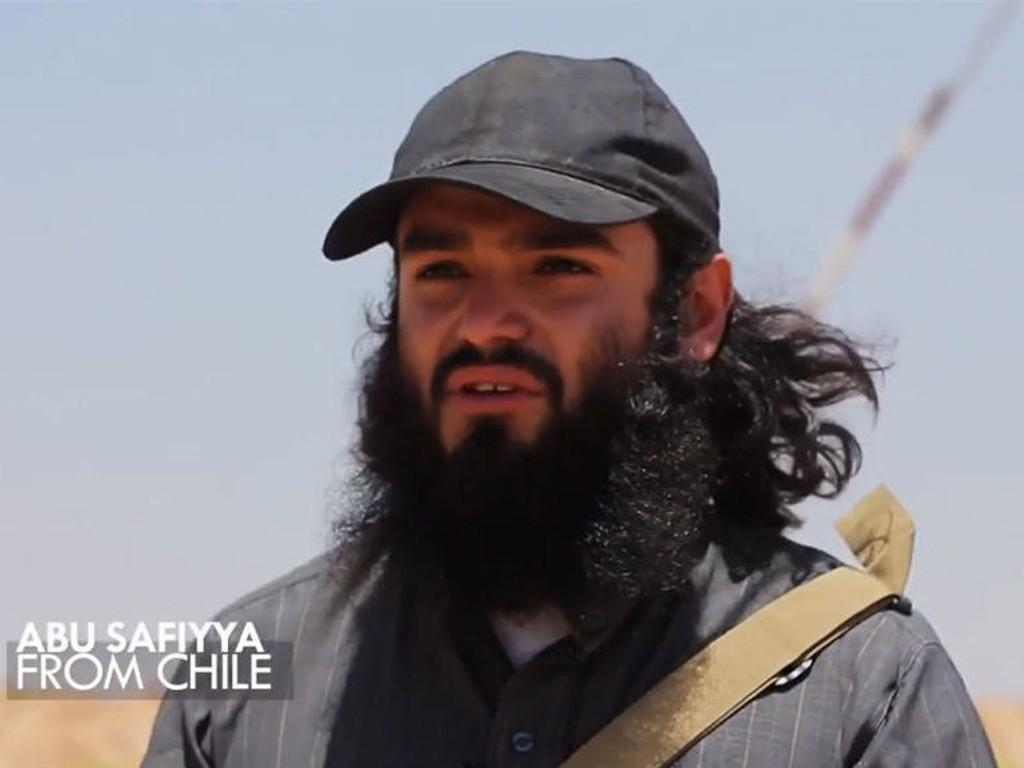 Den 24 år gamle islamisten sto i helgen fram i en video fra Irak der han fortalte om kampen mot irakiske soldater. Nå mistenker norske myndigheter at han kan ha en lederrolle i opprørsgruppen ISIL.