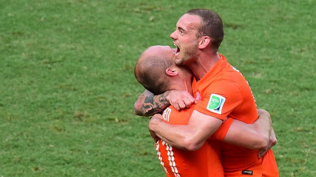 Nøkkelspillerne Sneijder og Robben kan muligens feire også i kveld. AFP PHOTO/ JAVIER SORIANO
