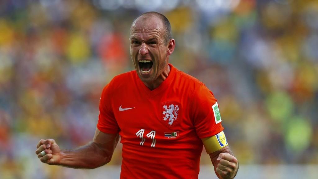 Arjen Robben har kunnet juble ofte dette mesterskapet. I dag møter han en såret brasiliansk bjørn.