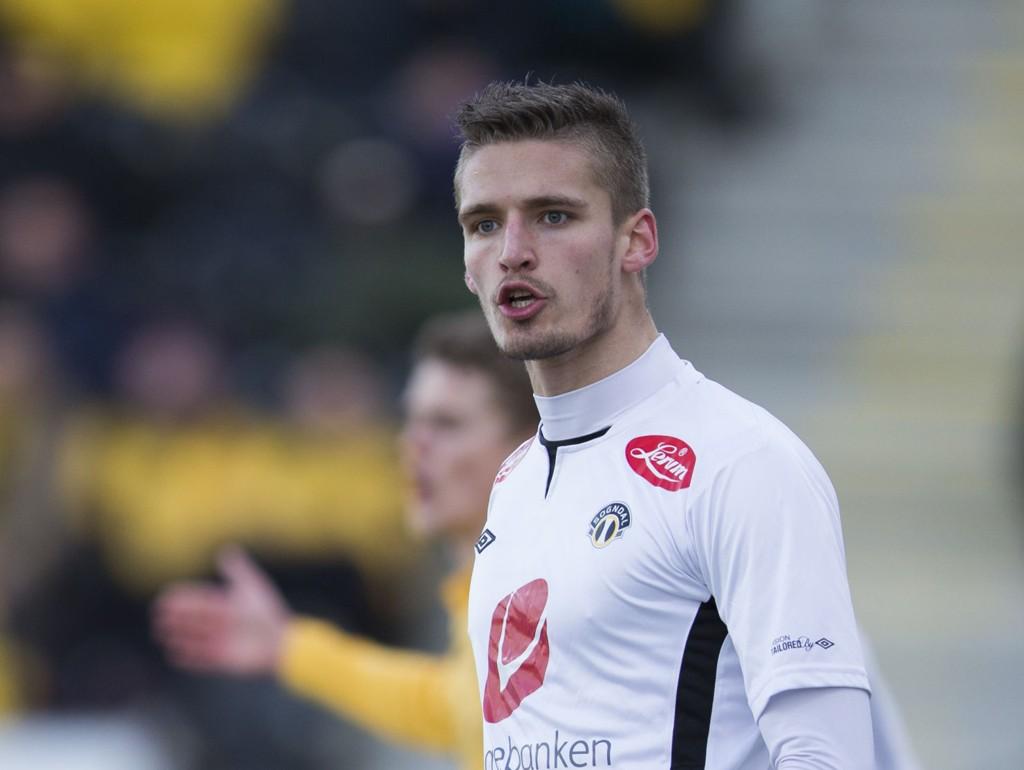 TIL GODSET: Gustav Valsvik har signert en treårsavtale med David Nielsens Strømsgodset.