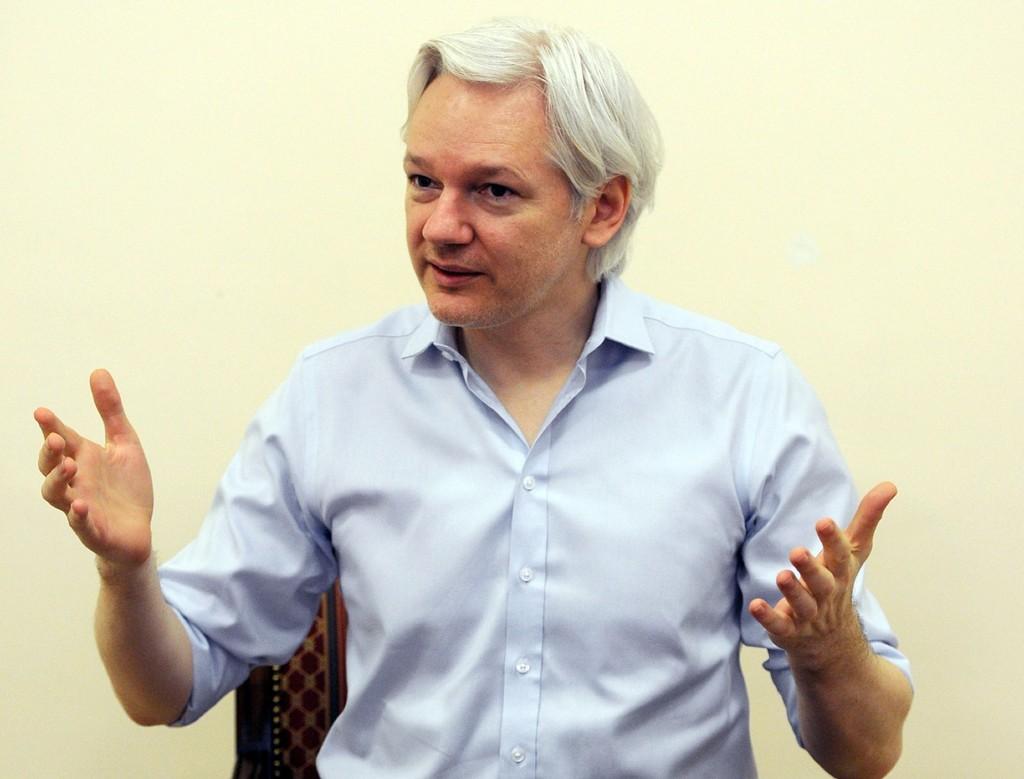 Julian Assange er i dag i asyl i Ecuadors britiske ambassade.