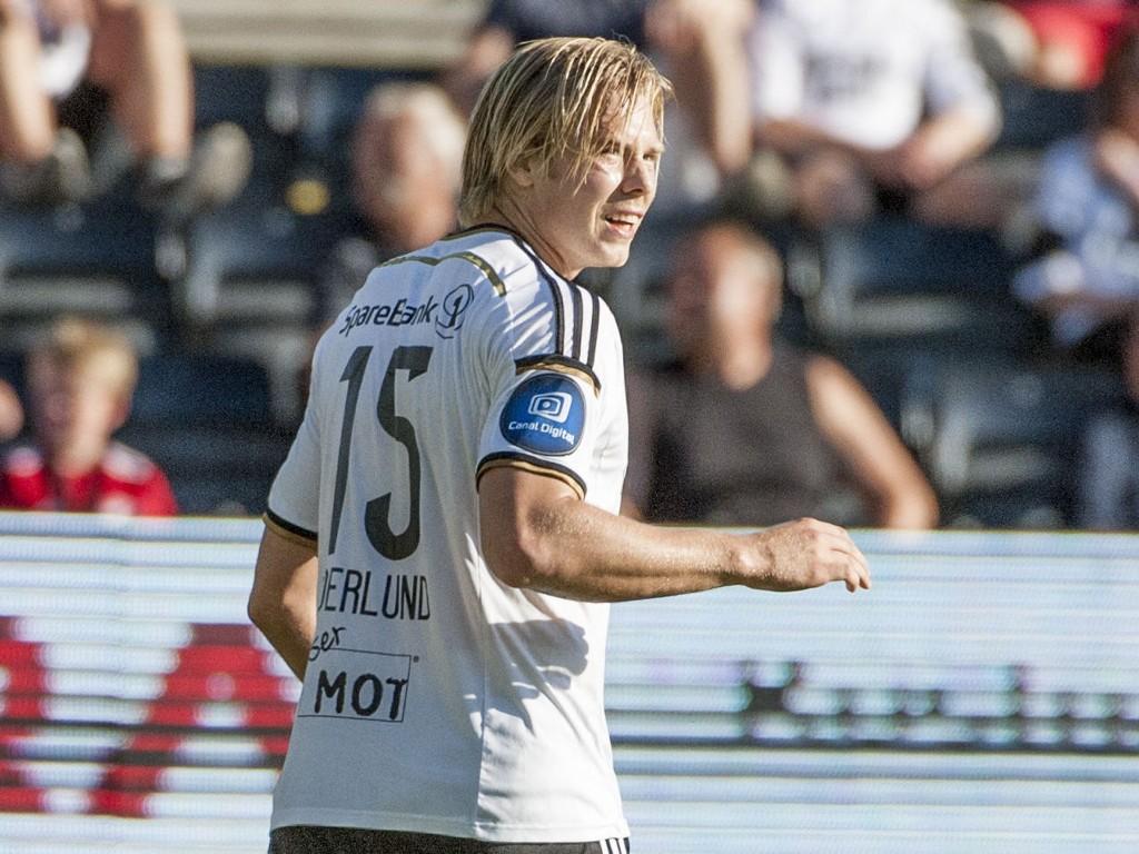 SCORET: Rosenborgs Alexander Søderlund ble matchvinner etter å ha satt inn 1-0 på straffe.