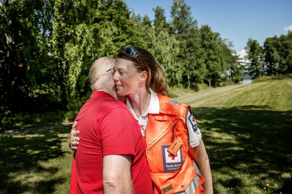 DEN GODE KLEMMEN: Roy Schjetne mistet sønnen Fredrik på Utøya. Natten til 23.juli var det Eileen Suzann Tennebø som fikk ham gjennom.