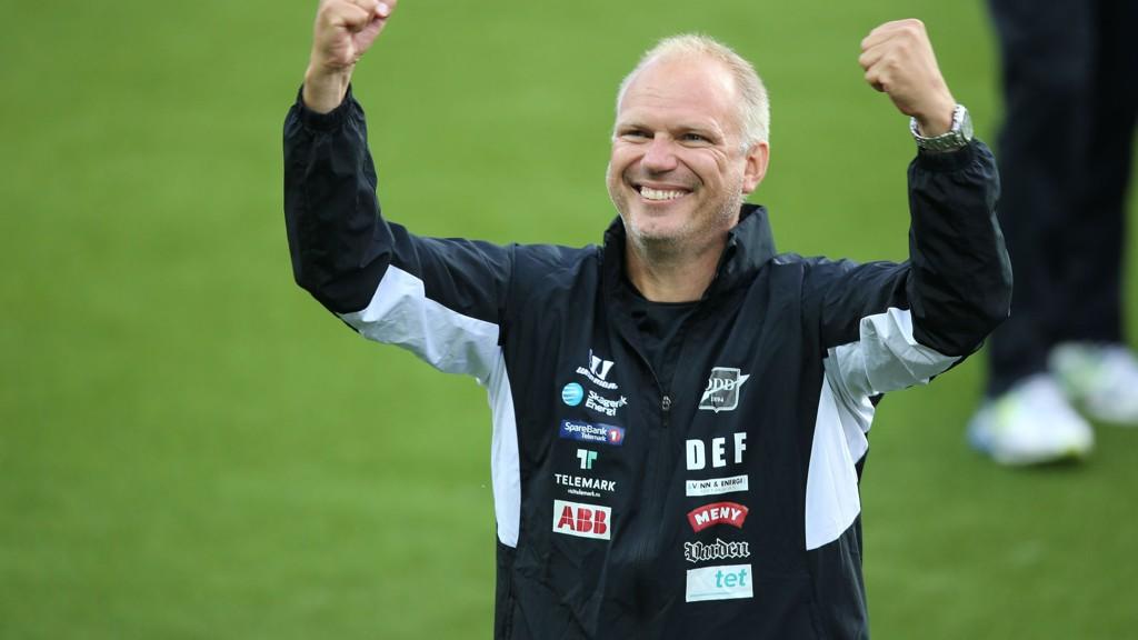 RBK NESTE ÅR? Dag-Eilev Fagermo sier han ikke kunne tenke seg å forlate Odd midt i sesongen. Han innrømmer imidlertid at han ville vurdert et tilbud fra RBK foran neste sesong.