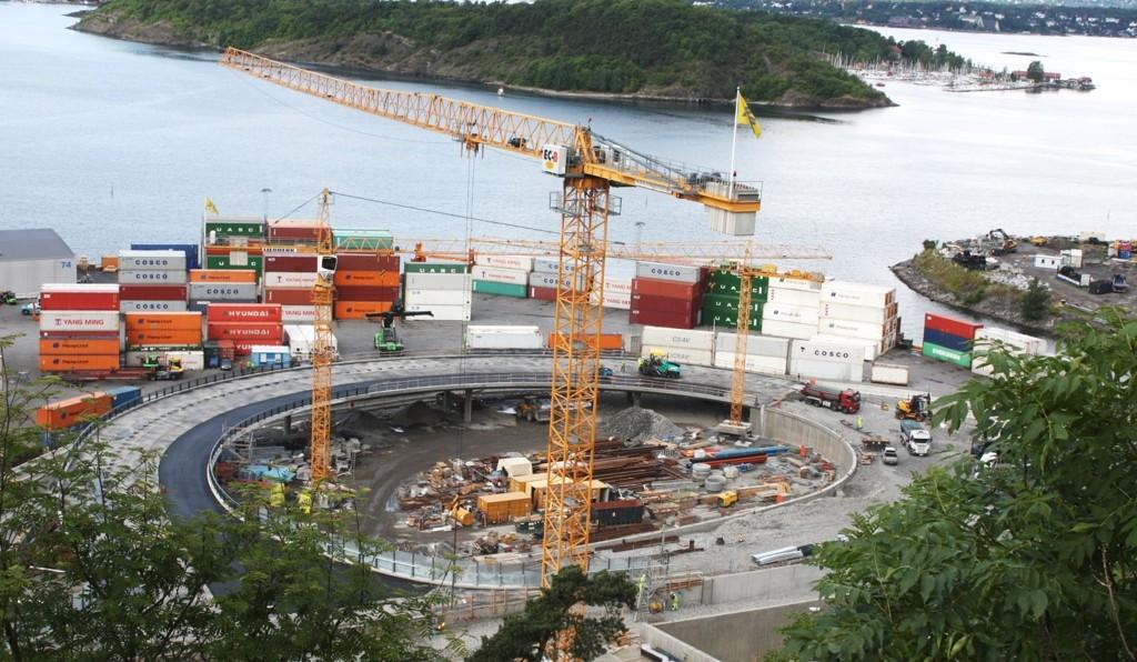I lengre tid har det pågått store arbeider ved og i Kongshavn i forbindelse med ny adkomst til Sydhavna. Kommende uke vil alle i området bli mer eller mindre berørt melder Havnevesenet.