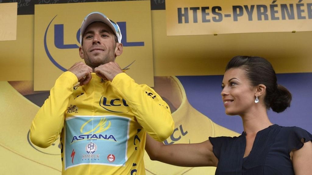 NÆR SIN STØRSTE TRIUMF: Kun et uhell kan frata Vincenzo Nibali seieren i årets Tour de France.