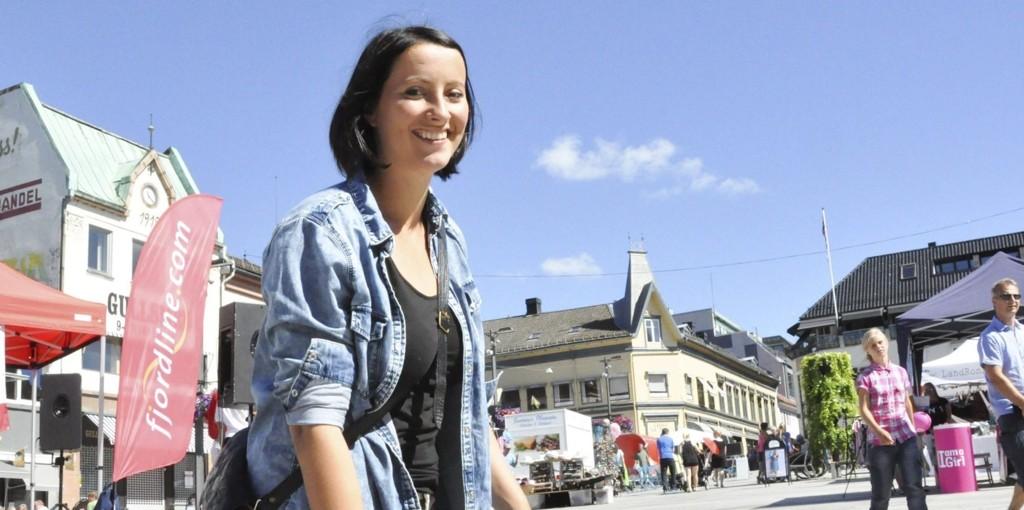 EGENTLIG FORNØYD: Selv om LOs sommerpatrulje fant flere brudd på regelverket, er ungdomsleder Stina Elling Ekenes stort sett fornøyd med arbeidsgiverne i Tønsberg og resten av Vestfold.