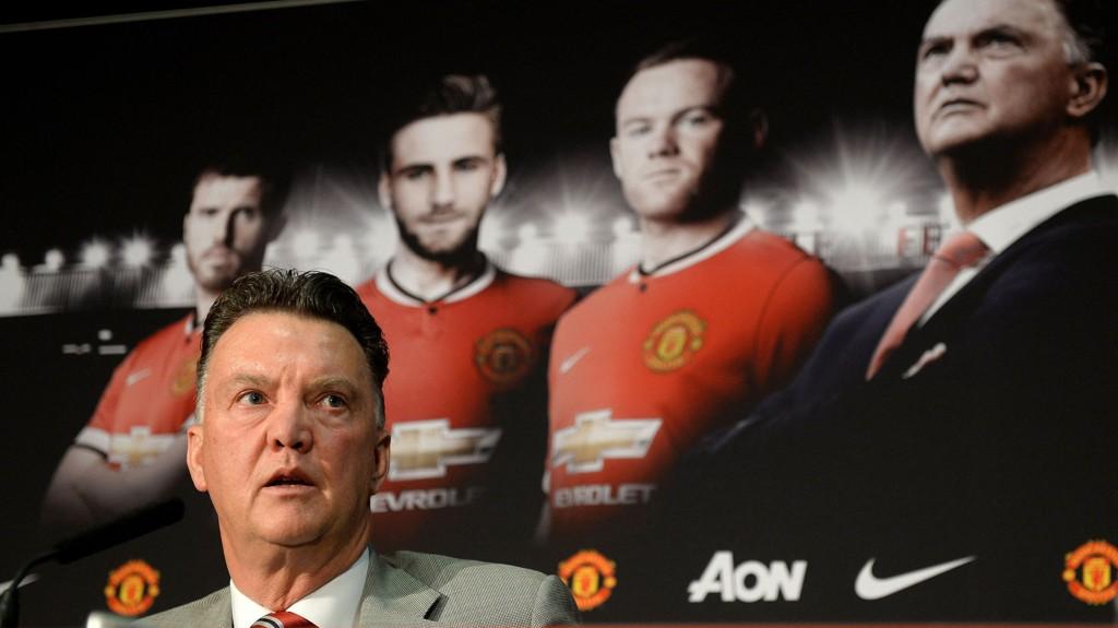 KARISMATISK: Louis van Gaal minner Ryan Giggs om sir Alex Ferguson.
