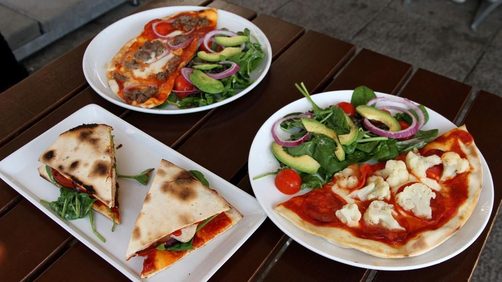SUNNERE PIZZA? Side2 har smakt på tre av de nye «Greenlight»-rettene til Peppes Pizza.