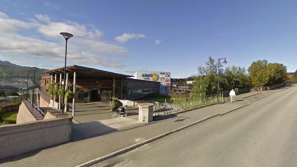 SEX VED KJØPESENTER: De tre hadde sex ved dette kjøpesenteret i Narvik sentrum.