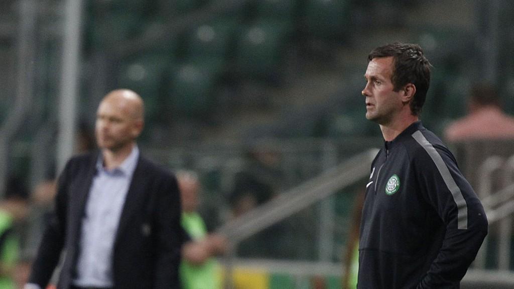 Henning Berg, (i bakgrunnen) ga Ronny Deila den verst tenkelige starten på sin Celtic-karriere.