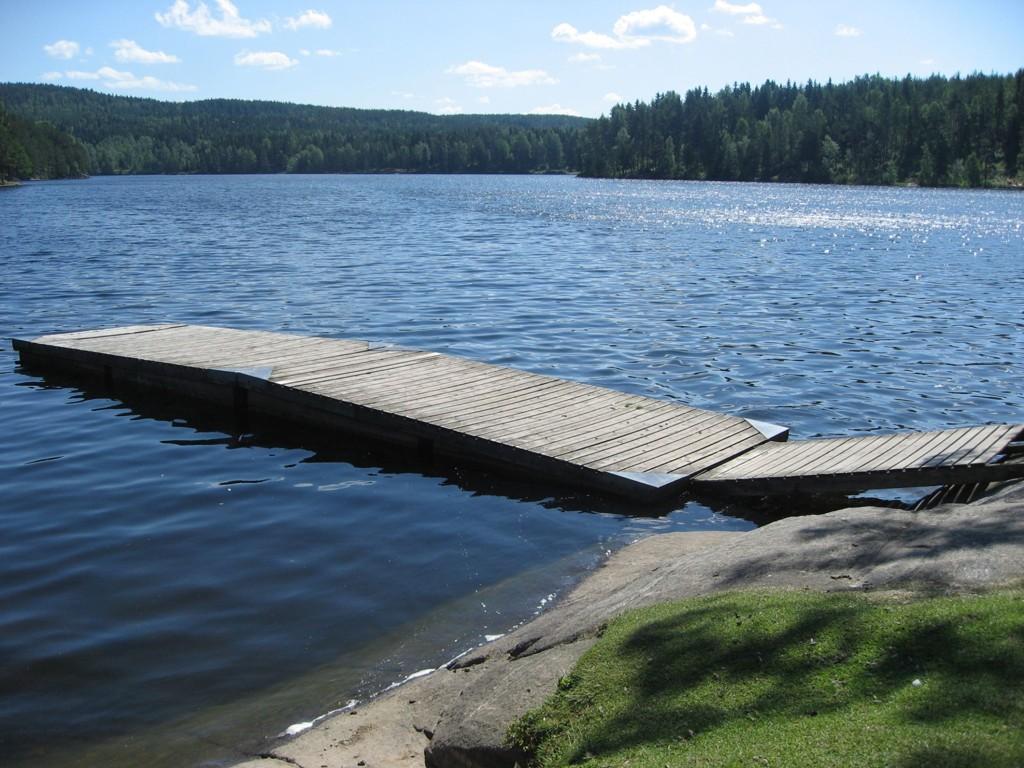 VARMT: Her i Nøklevann i Østmarka i Oslo ble det målt hele 28 grader i vannet onsdag morgen.