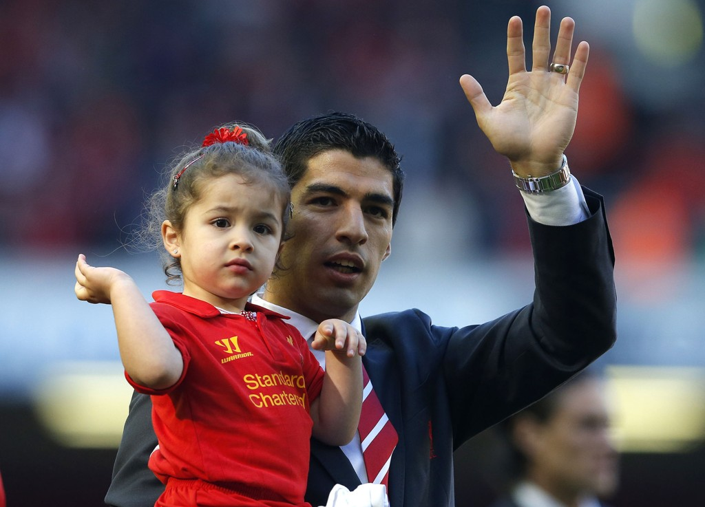 NY HØRING: Luis Suarez' straff fpr biteepisoden i VM bli trolig klar neste uke.