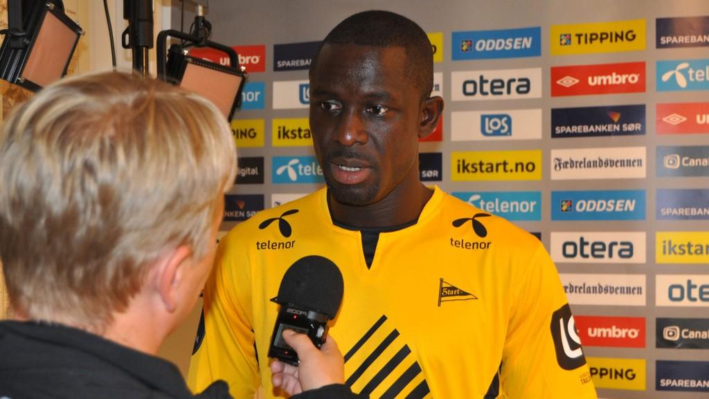Seyi Olofinjana går rett inn på Starts midtbane til tross for at han ikke har fått mer enn et par treninger med laget.