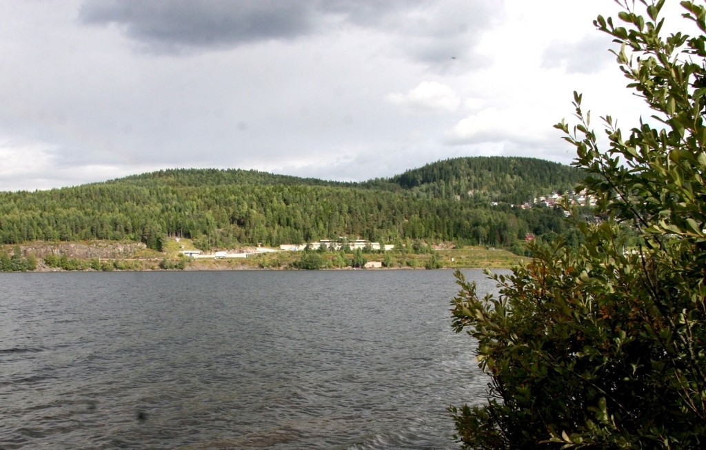 OSET: Oset Vannbehandlingsanlegg ligger flott til ved Maridalsvannet, på Kjelsås, men ikke lett å se annet enn fra Maridalssiden. Foto: Kristin Tufte Haga
