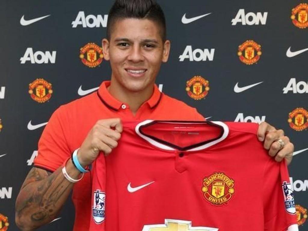 Marcos Rojo signerte onsdag for Manchester United. Han sa at det er en ære å være United-spiller.