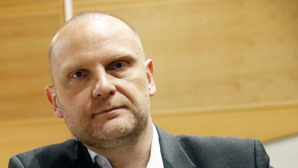 Samfunnsrefser Frank Rossavik ser ikke mange lyspunkt for SV.