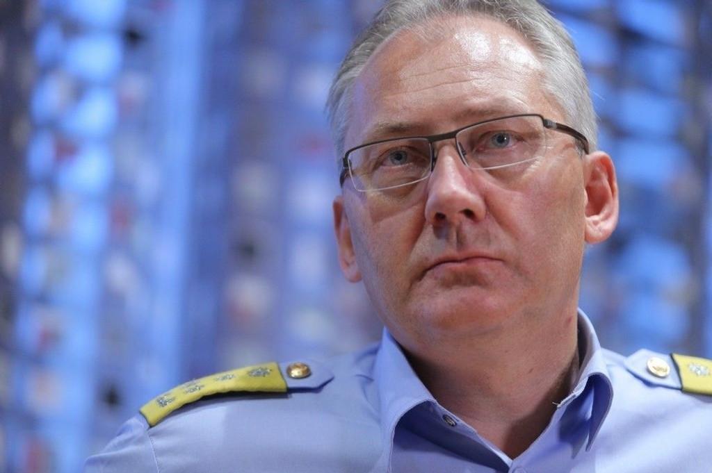 Politidirektør Odd Reidar Humlegård mener det er altfor få kvinner i lederstillinger i politiet,