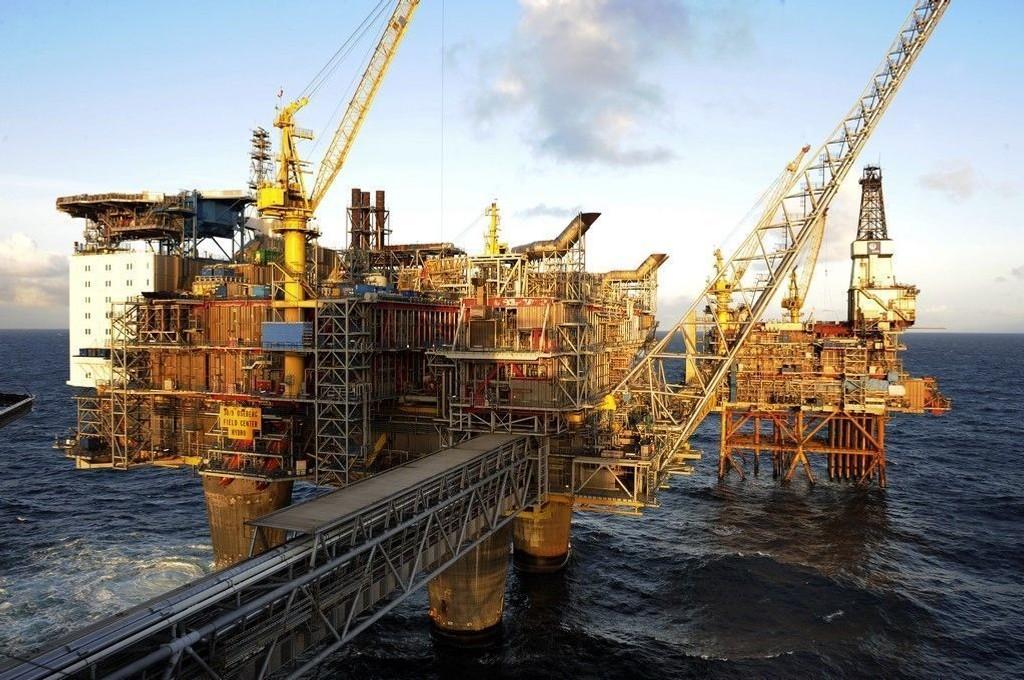 YS-leder Bjørn Asle Teige i Statoil frykter at 20.000 stillinger kan forsvinne fra norsk oljebransje i løpet av kort tiPå bildet: Oseberg feltsenter.