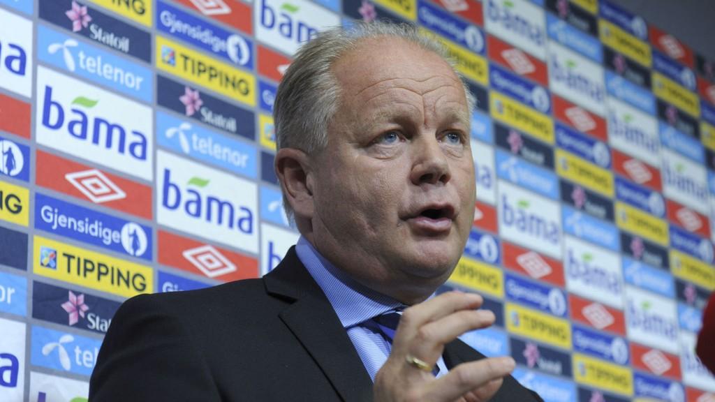 VIL REISE: Per-Mathias Høgmo ser for seg å spille landskamper flere steder i Norge.