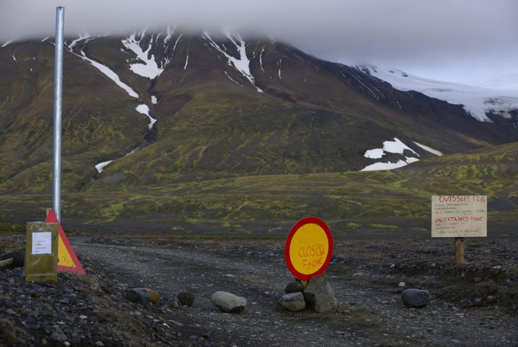Veien inn mot Bardabunga-vulkanen på Island er stengt - og områdene rundt - etter at faren for et stort vulkanutbrudd er nært forestående.