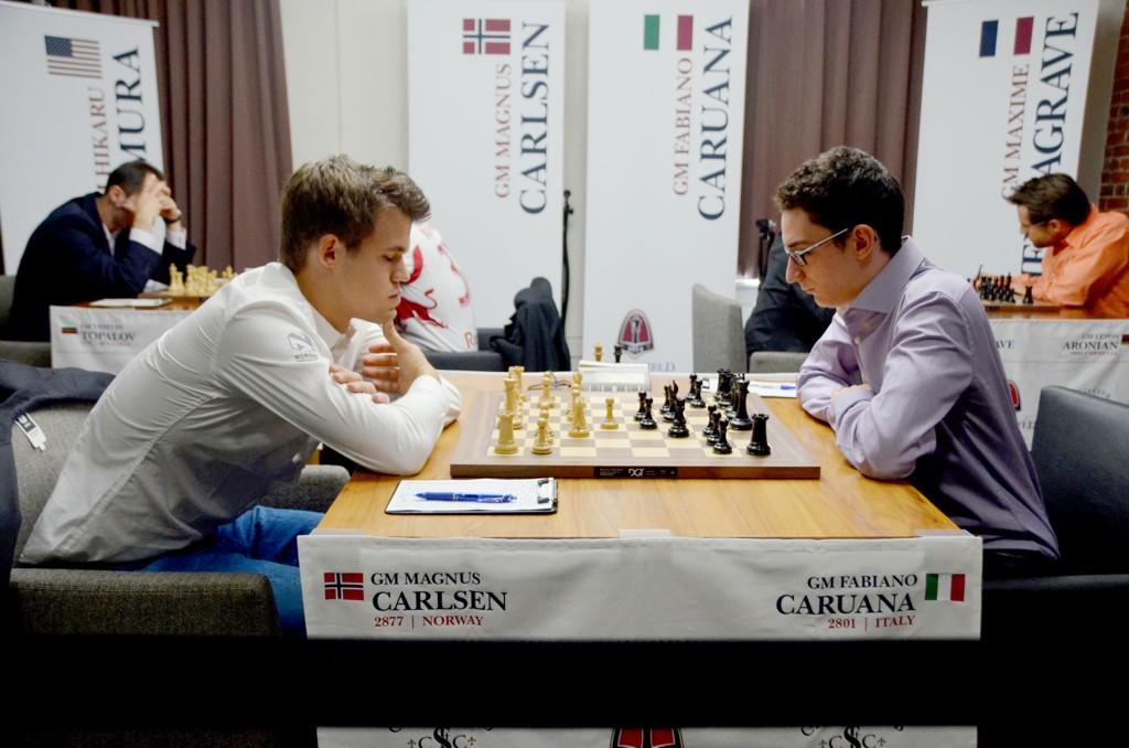 TAPTE: Magnus Carlsen gikk på en kjempesmell mot italienske Fabiano Caruana.