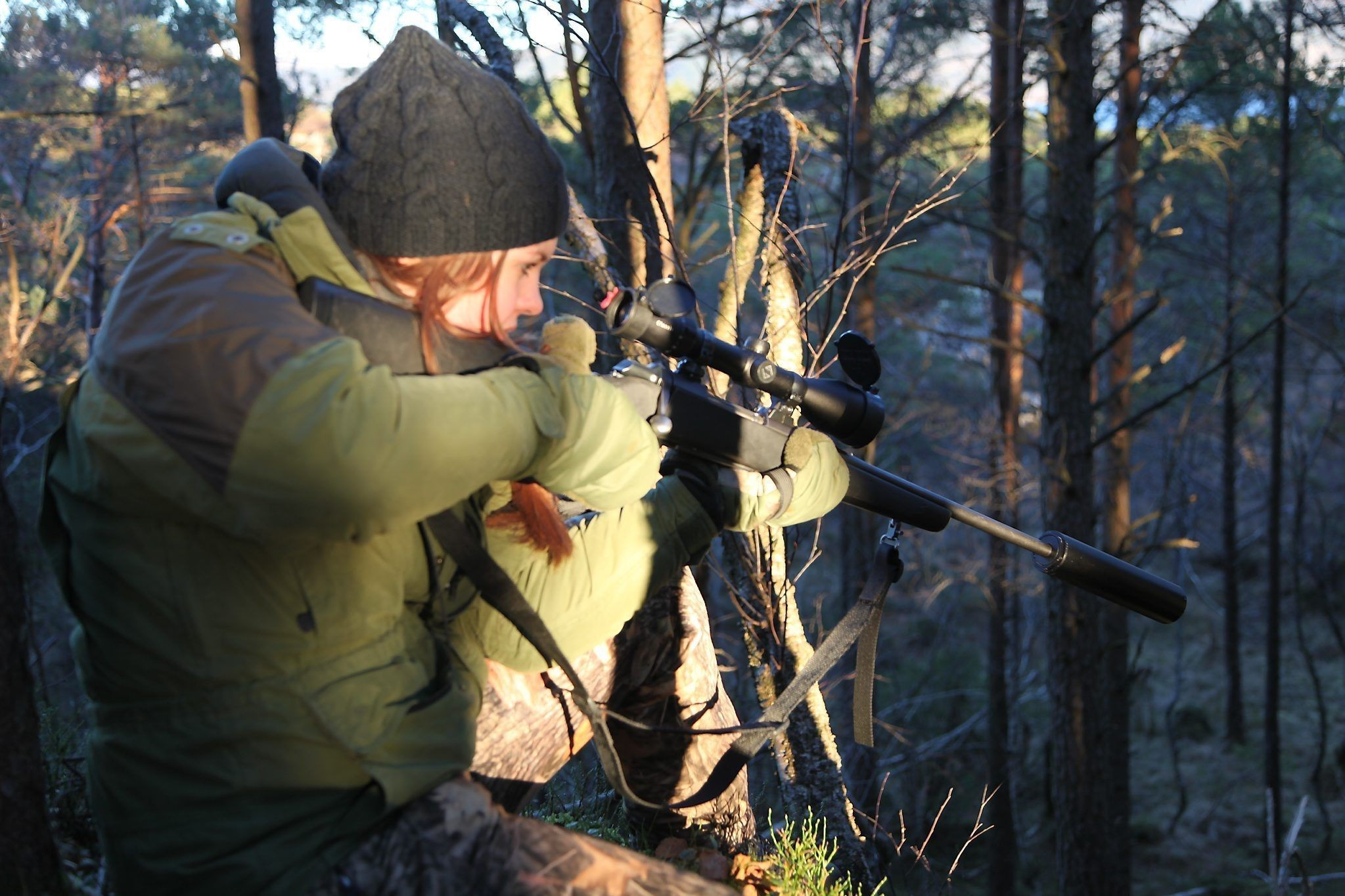 Hjortejakta startar for tidleg, meiner dyrevernarane i NOAH, som ber styremaktene ta ansvar. - Ti dagar tidlegare jaktstart har lite å seie for dyrevelferda, er Norsk Hjortesenter sitt tilsvar.