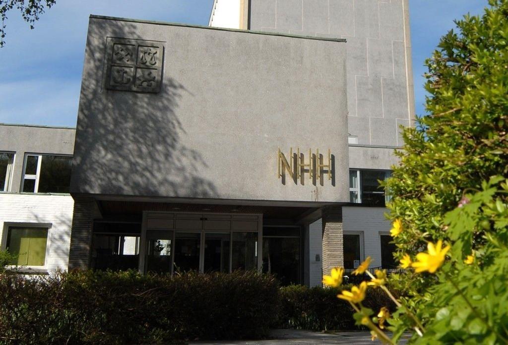 Ved Norges Handelshøyskole (NHH) har snittalderen i perioden 2004-2013 sunket fra 43 år til 34,9 år, viser tall fra Database for statistikk om høyere utdanning (DBH).