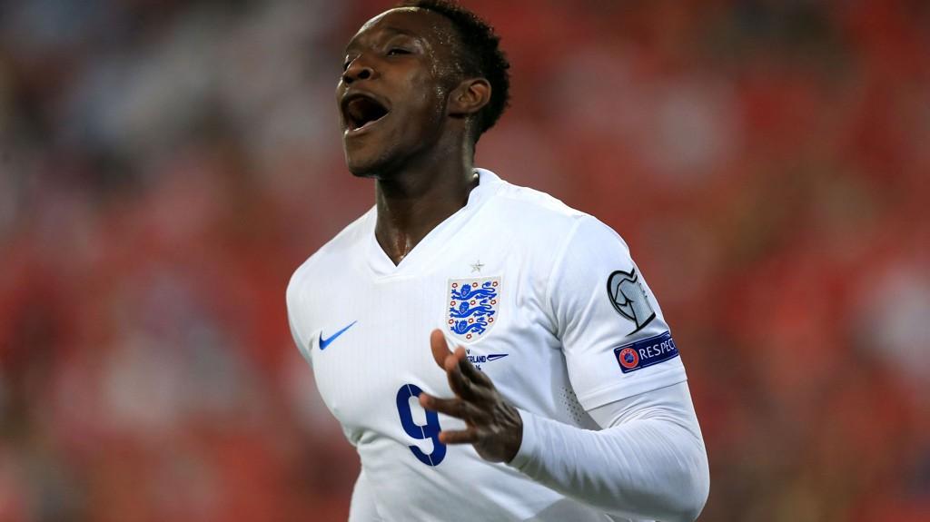 SCORET TO: Danny Welbeck scoret to mål mot Sveits.