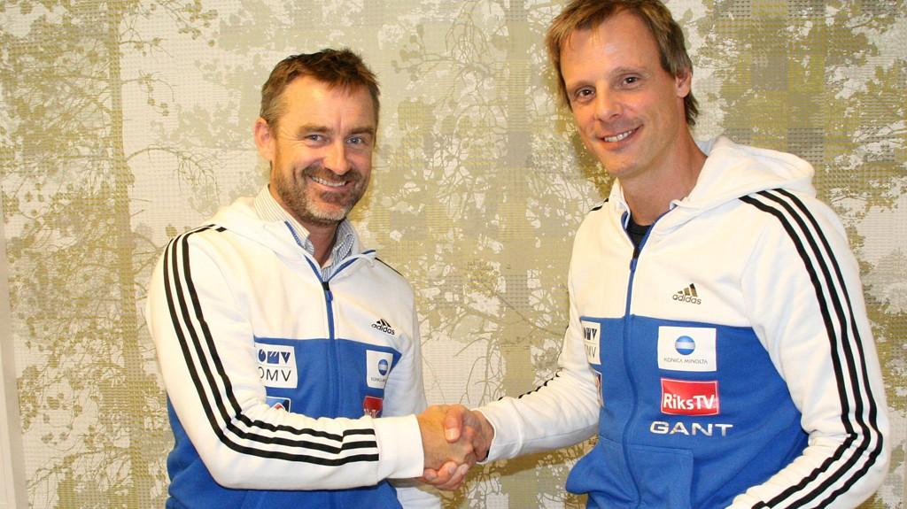 Clas Brede Bråthen (t.v.) og Alexander Stöckl skrev onsdag under kontrakten som gjør Stöckl til landslagstrener i hopp fram til 2018.