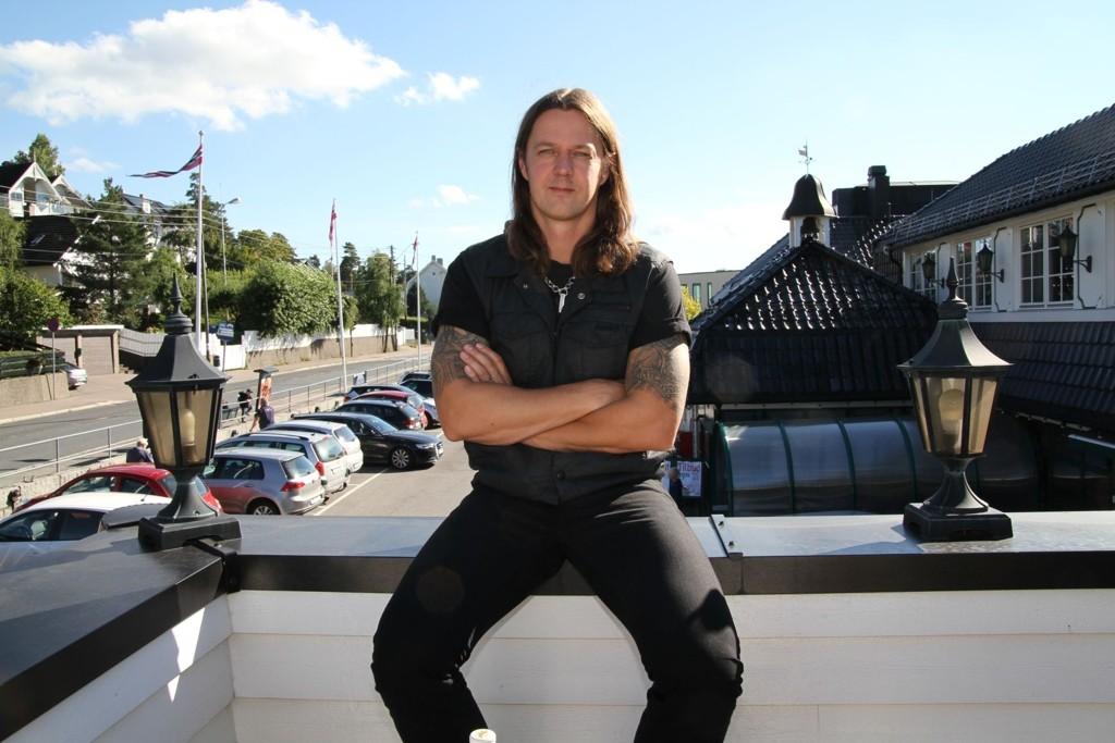 ENTUSIAST: Black metallmusiker og vinentusiast Sigurd Wongraven har Bekkelaget som base mens han reiser verden rundt med vin og musikk.