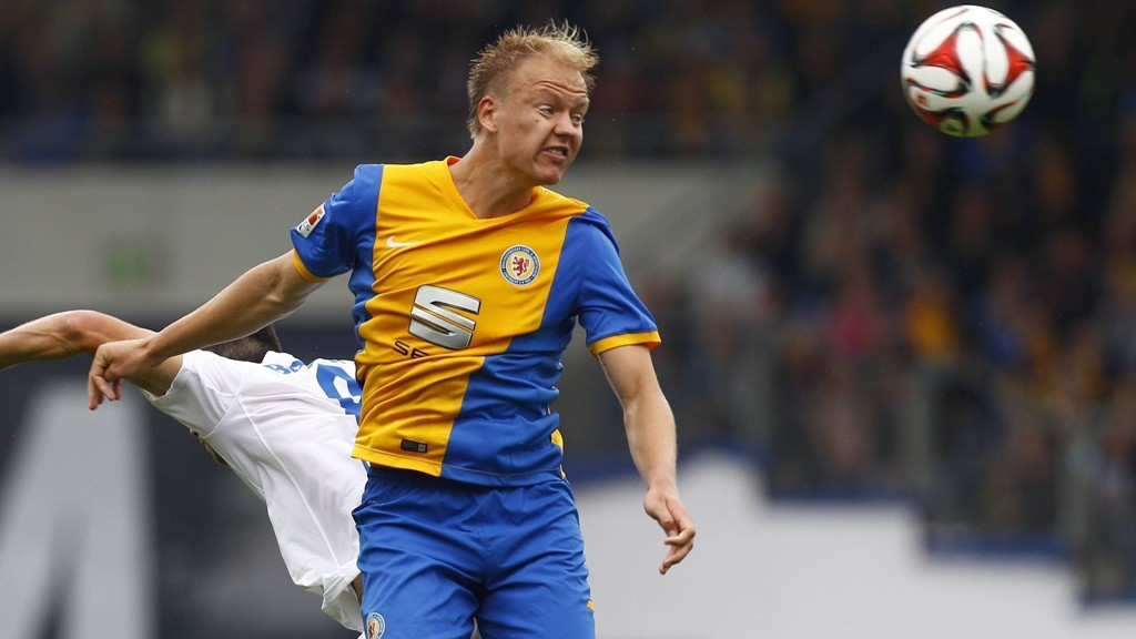 Landslagsspiller Håvard Nielsen scoret for Eintracht Braunschweig da laget tapte 3-1 mot Leipzig lørdag.
