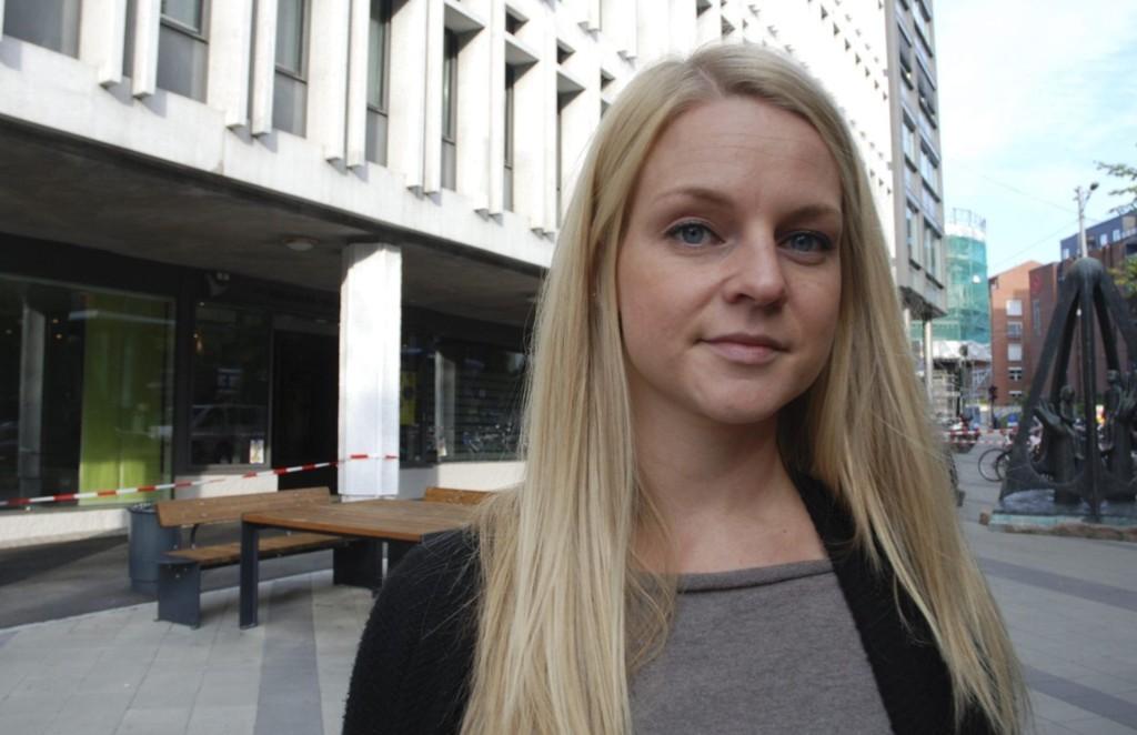 Tuva Aune Wettland jobber for tiden med master i siviløkonomi, og håper at flere som sliter psykisk i studietida i ikke venter med å søke hjelp.