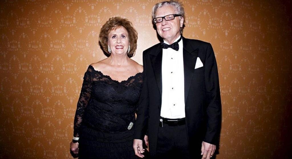 Advokat Odd Drevland er gift med Bergens profilerte ordfører Trude Drevland. Her er paret på Bjarte Hjelmelands avskjedsforestilling på Den Nationale Scene.