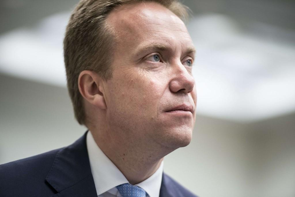 Ifølge utenriksminister Børge Brende (H) vurderer Norge å hjelpe til med å trene irakiske soldater.